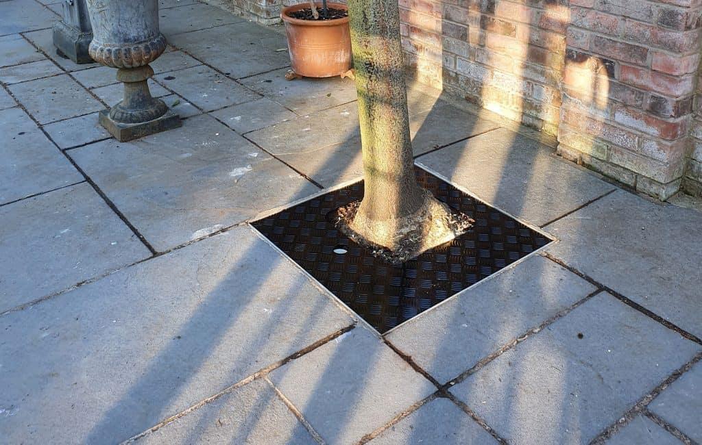 Aluminium-Chequer-Plate-Tree-Pit-Cover---1